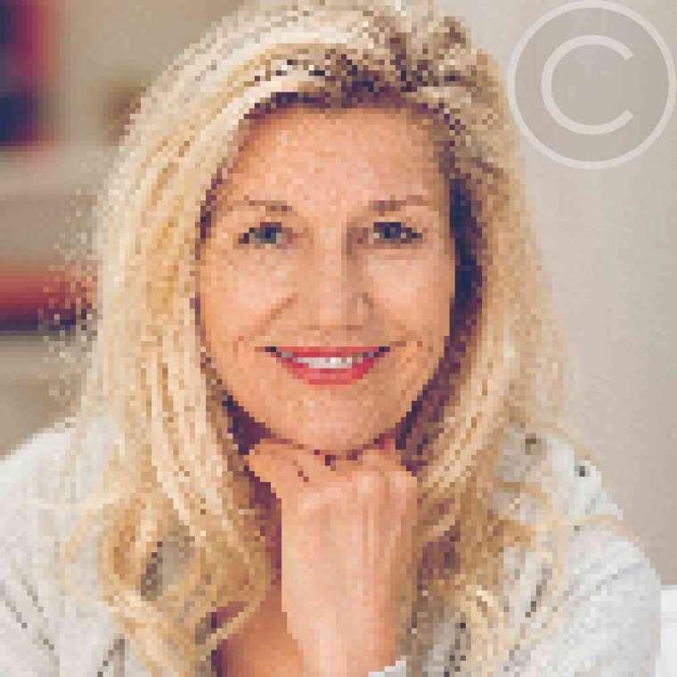 Anna Dowson